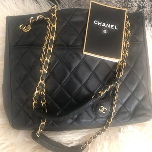 100% auth Chanel quilted leather shoulder bag